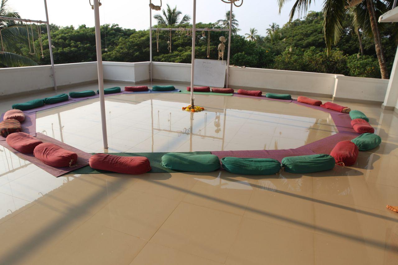 Yoga space in Goa shala